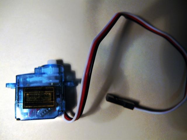 Un microservo 9g